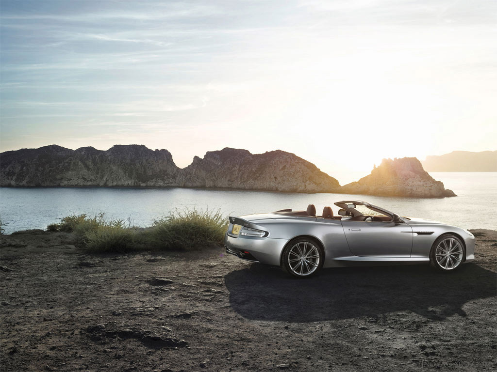 aston_martin_db9_coupe_2013_2