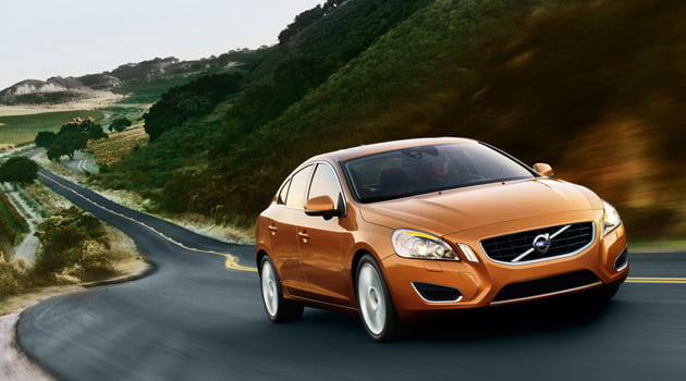 Volvo S60_feature