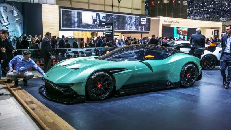 2016-Aston-Martin-Vulcan-geneva