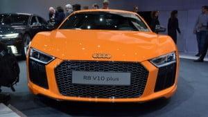 2017-Audi-R8-V10-Plus-10