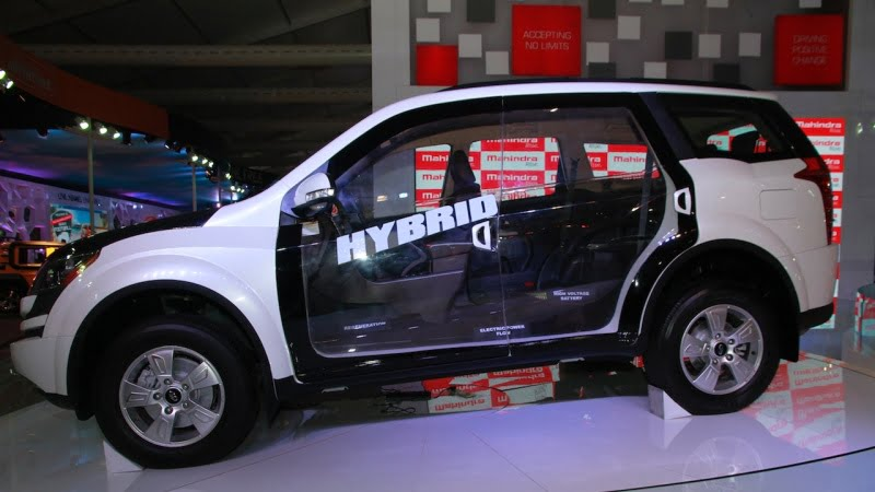 Mahindra-XUV500-diesel-hybrid-side-at-Auto-Expo-2014