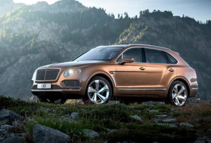 Bentley-Bentayga-2016