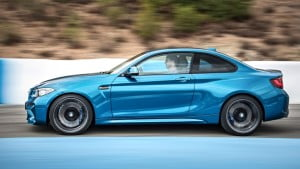 2016-bmw-m2-coupe-04