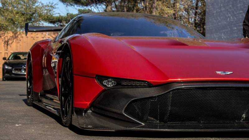 Aston Martin Vulcan-9