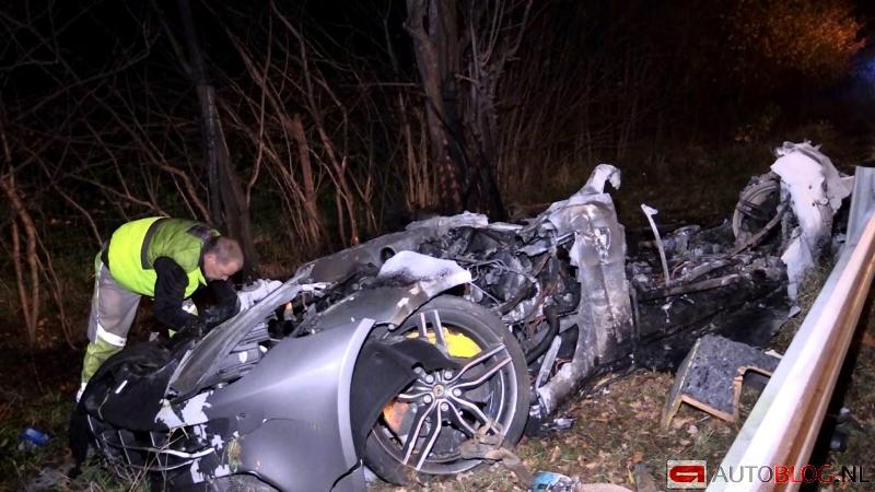 ferrari-ff-crash-3
