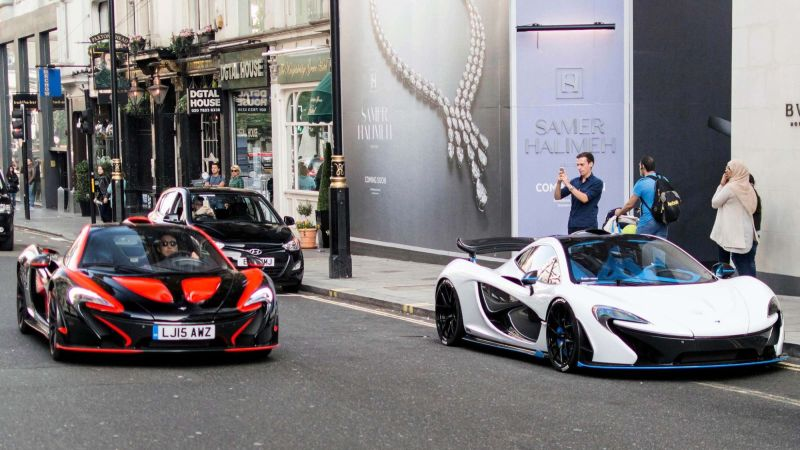 London two heavily-MSO-modified P1s
