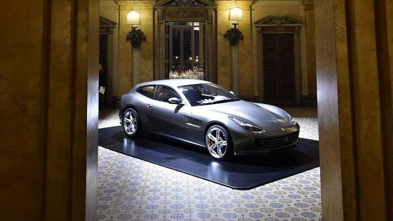 Ferrari GTC4Lusso-4