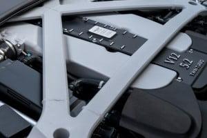 Aston Martin DB11-16