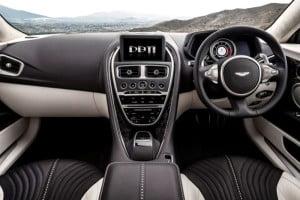 Aston Martin DB11-4