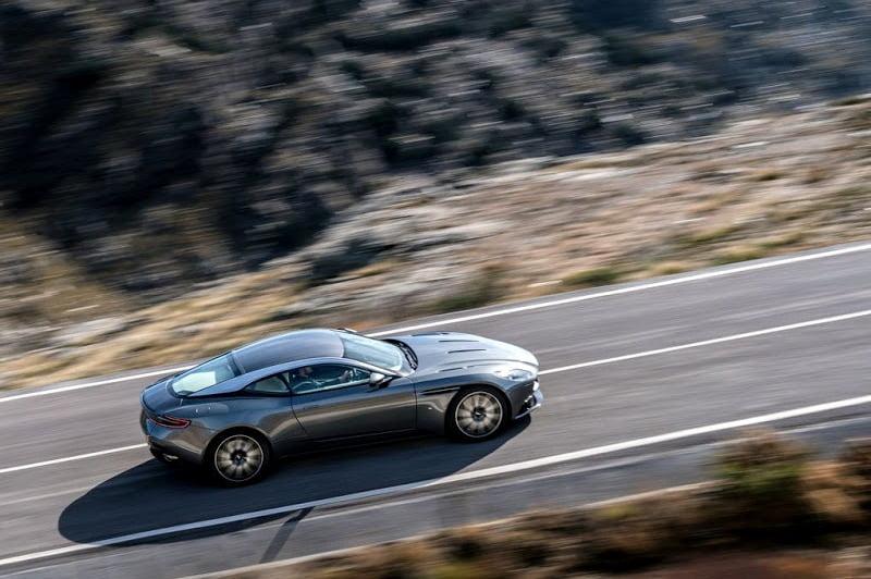 Aston Martin DB11-5