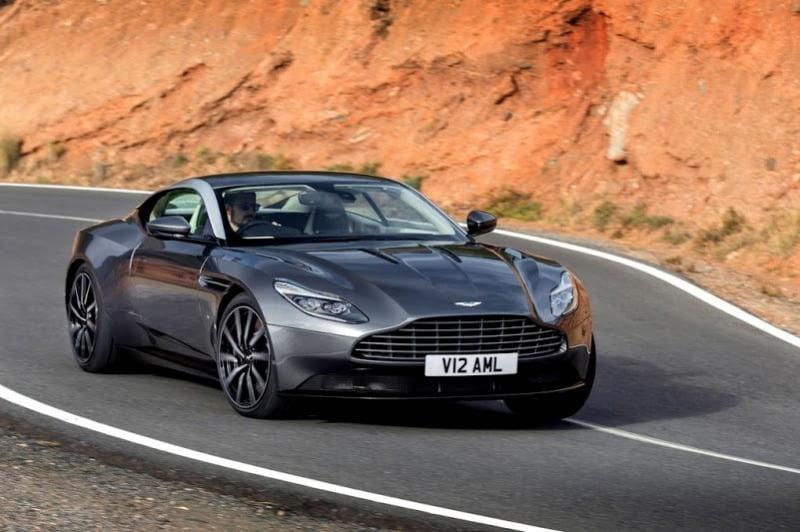 Aston Martin DB11-6