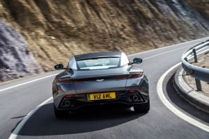 Aston Martin DB11-7