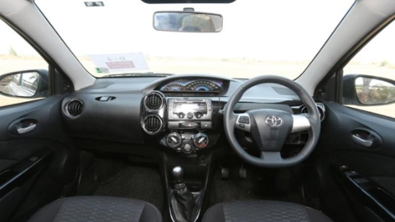 Toyota Etios Cross_3
