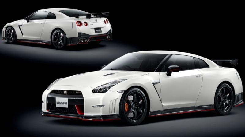 2015-Nissan-GT-R